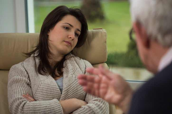 woman client with therapist